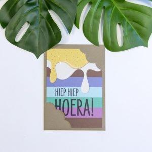 Hiep Hiep Hoera Verjaardagskaart gemaakt van olifantengras